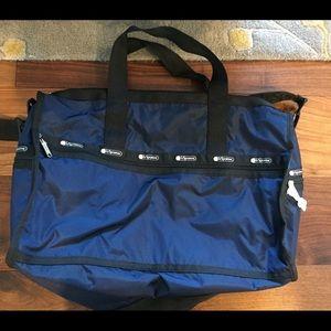 NWT LeSportsac Navy & Black Weekend Duffle Bag